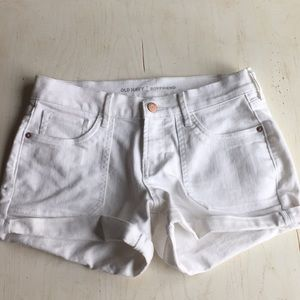 (Old Navy) White boyfriend shorts